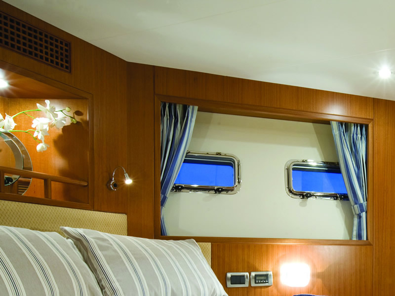 Curtains for your yacht from Marine Bedding